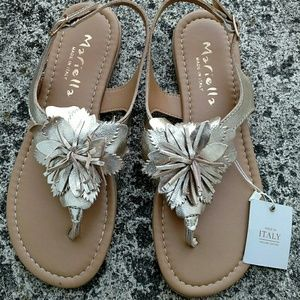 NWT Mariella Italian thong sandals. Size 6.5